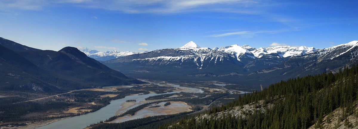 The climb affords a commanding view of the Athabasca River valley, the Palisades, and Pyramid Mountain.