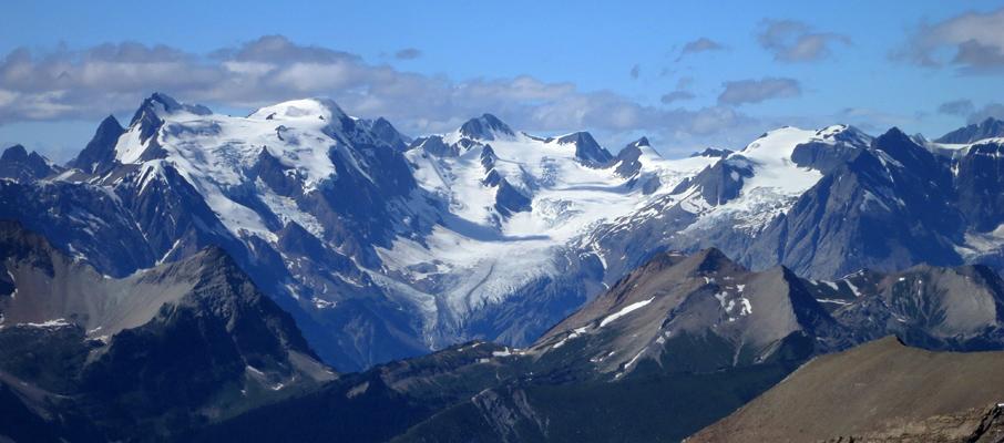 Mt. Mummery, Mt. Nanga Parbat, Mt. Giglet, Mt. Helmer with the Mummery Glacier impress from the north.